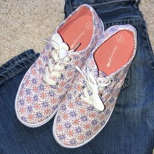 Payless AE Girls floral sneakers size 3